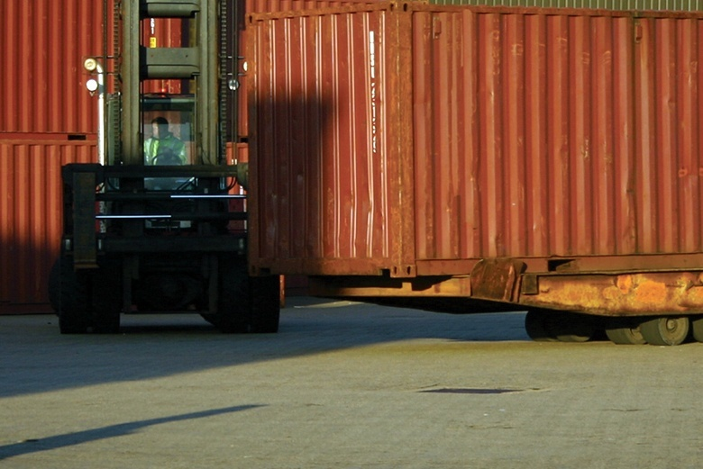 Chronic Dust and Surface Maintenance Problems Solved at an Intermodal Facility