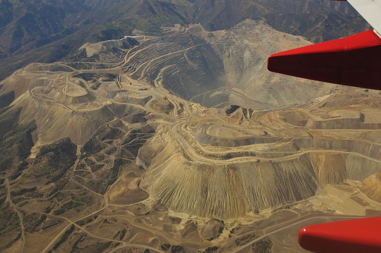 Midwest Helps Arizona Copper Mine Stabilize Roads, Save 600,000 Gallons of Water per Month