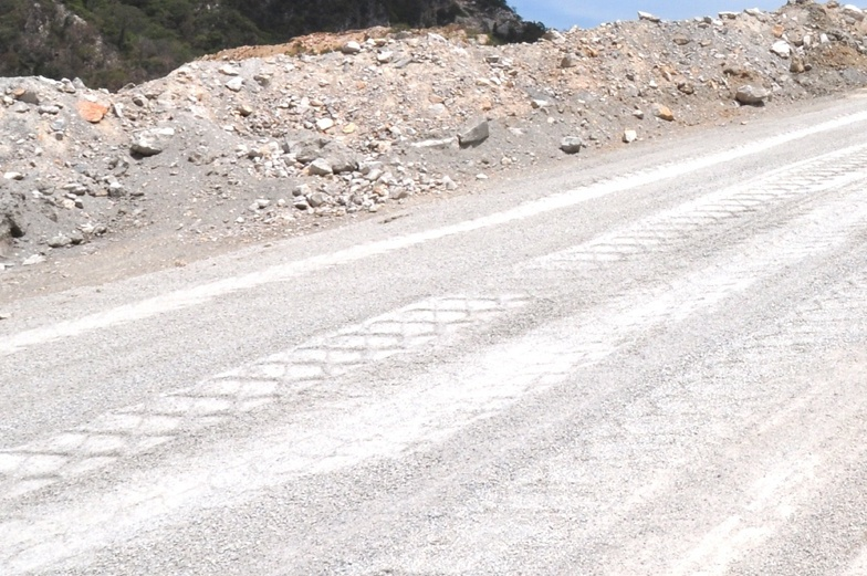 Haul Road Surface Problems Eliminated at a Cement Company