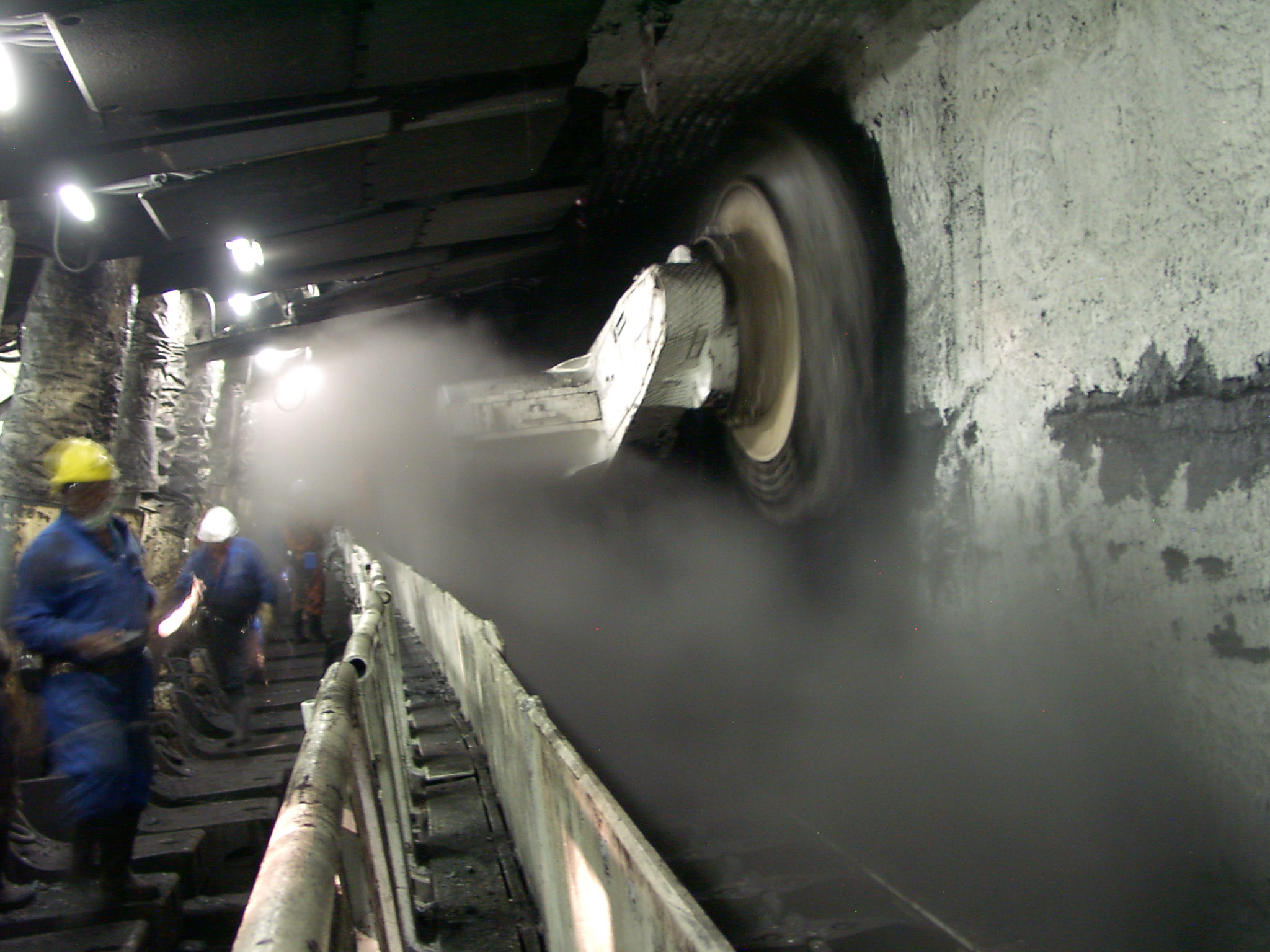 How Industrial Dust Forms and Accumulates